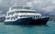 Cormorant Galápagos catamarán