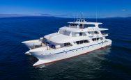 Tip Top V catamarán último minuto mayo 2021
